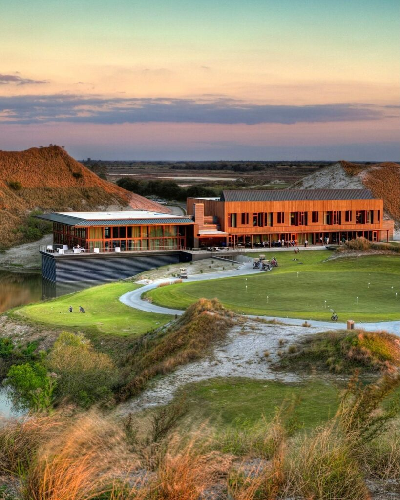 Just Luxe named Streamsong's Clubhouse as one of the most beautiful golf clubhouses in the US. . . . #golf #golfcourse #florida #club #course #golfclub #golfer #flgolfer #golfcart #instagolf #instacourse #instacourses #streamsong #streamsongresort #streamsongblack #streamsongred #streamsongblue