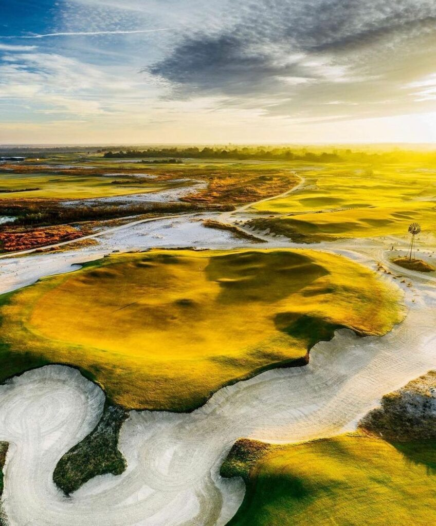 Breathtaking from every angle. There's just something special about being on Streamsong Black. (📸 via @kempersports) . . . #golf #golfcourse #florida #club #course #golfclub #golfer #flgolfer #golfcart #instagolf #instacourse #instacourses #streamsong #streamsongresort #streamsongblack #streamsongred #streamsongblue